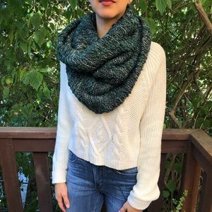 Express | Cozy Green Snood
